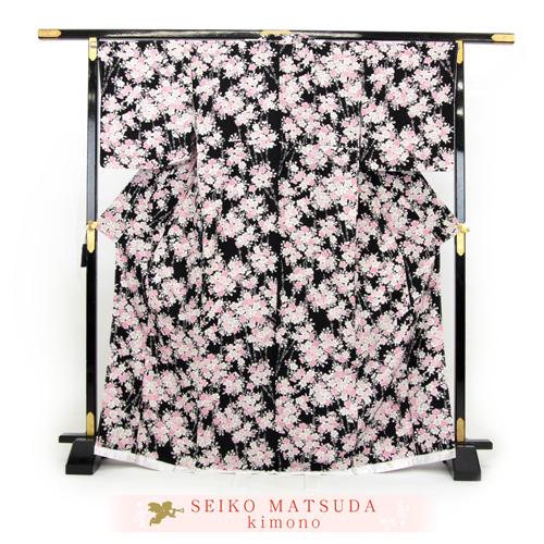 松田聖子 正絹 お仕立て上がり 小紋着物 「黒地にピンクの桜」