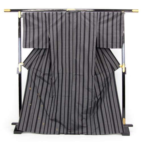 お仕立て上がり 蘇州手織高級紬 正絹 紬着物 「グレー地に黒の縦縞と金刺繍のうさぎ」