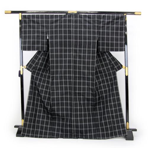 お仕立て上がり 日本製 袷 紬着物 「黒地にチェック模様」