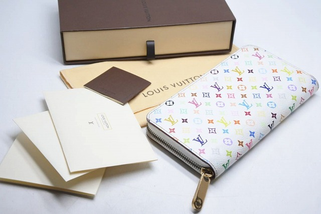 ◆[USED/中古]◆送料無料◆【中古】Louis Vuitton ルイヴィトン ジッピーウォレット 長財布 モノグラムマルチ ホワイト M60241 箱付き 19349【中古】