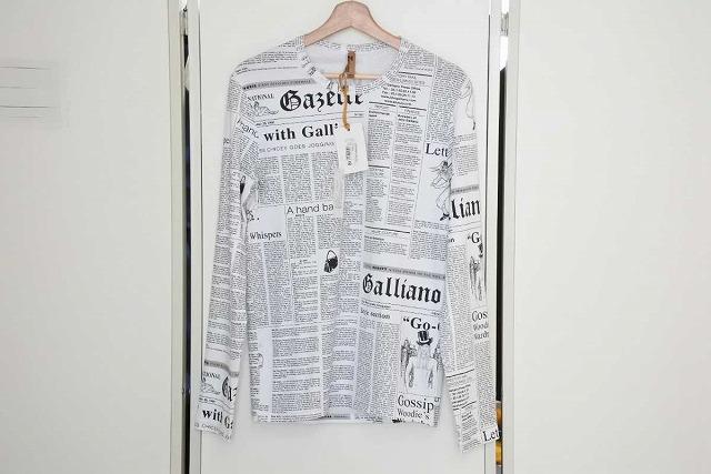 ◆[USED/中古]◆送料無料◆【新同】JOHN GALLIANO ジョンガリアーノ 名作 ニュースペーパー 長袖 Tシャツ ロンT トップス メンズ 48 新品同様 17561【中古】