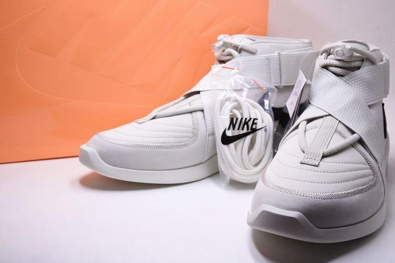 ◆[used USED] ◆◆ NIKE AIR FEAR OF GOD RAID LIGHT BONE Nike air Fear of god light Vaughn US10 28cm free 5178◆