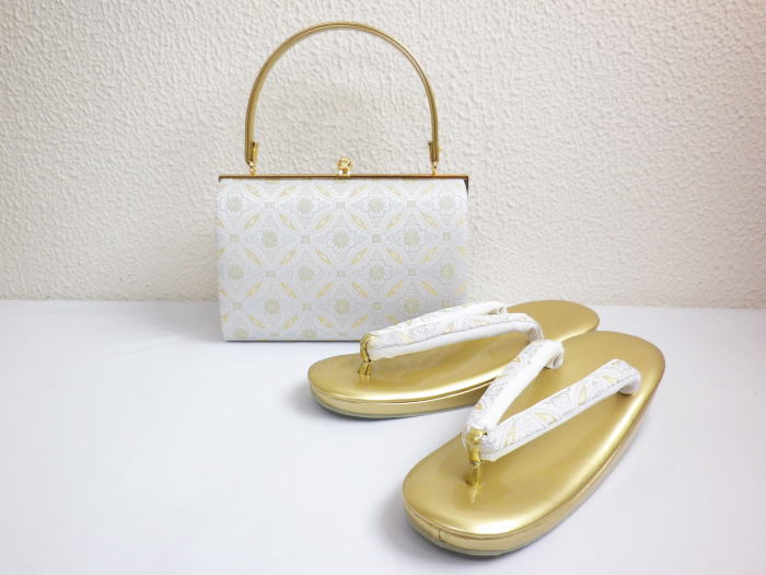 留袖結婚式・訪問着に 礼装用帯地草履バッグセット白銀織地七宝紋様