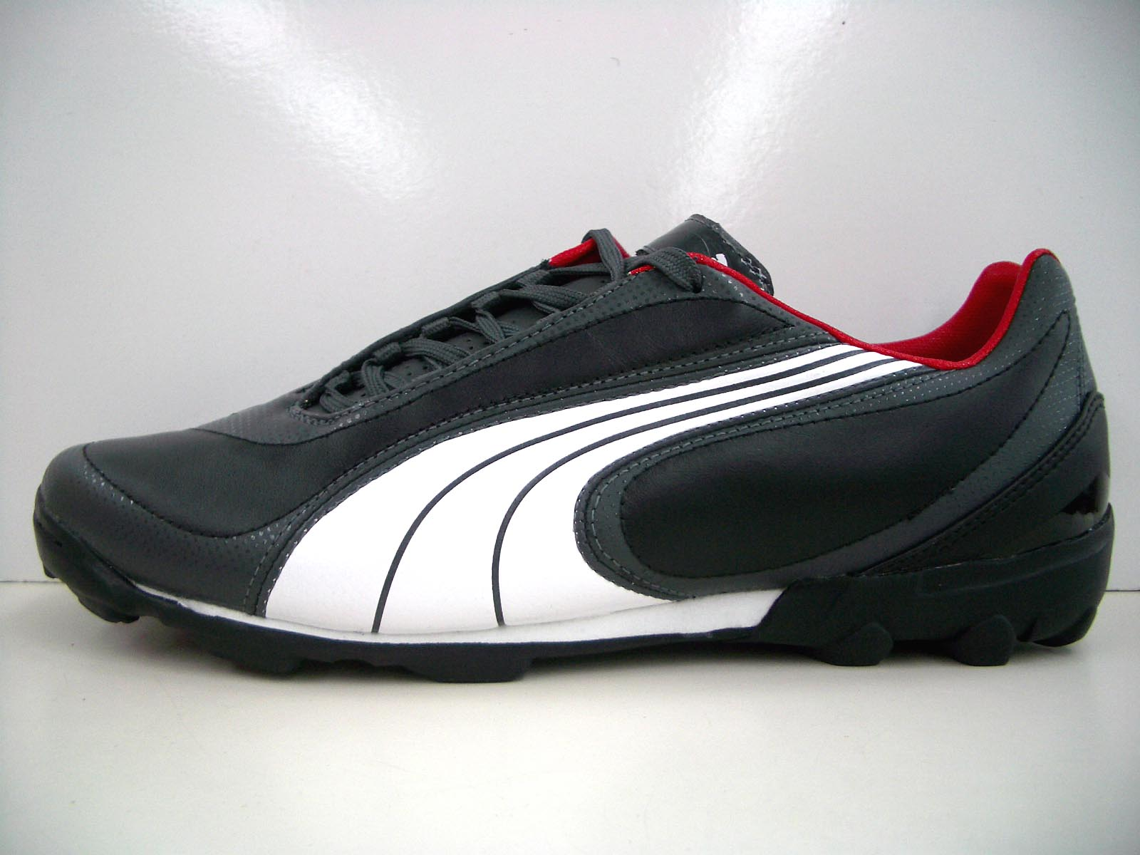 chaussures de séparation aae83 2a75c PUMA v3.08TT black and white ash