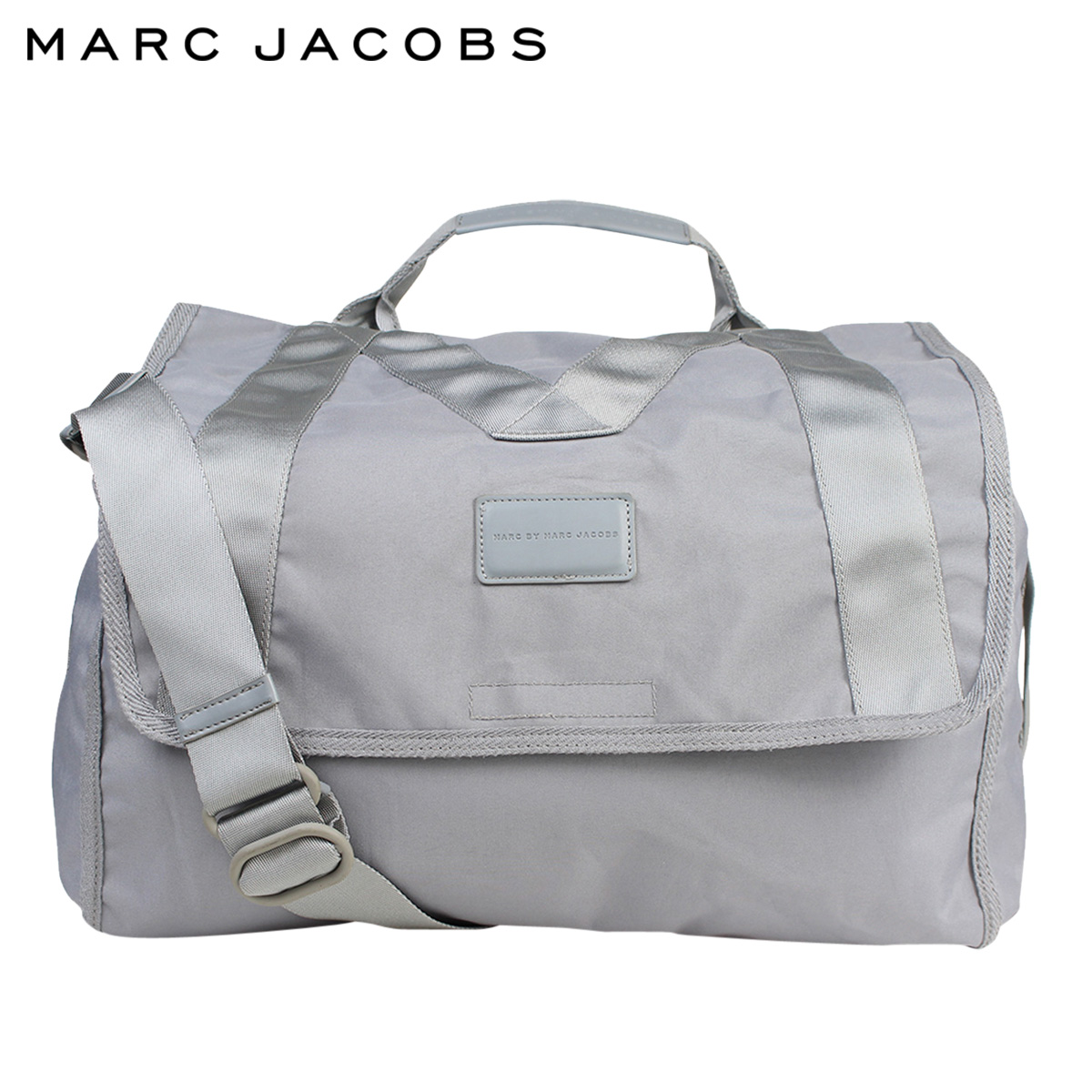 dae12c0df31d ... come under a conventional model makes a view of the world of MARC BY MARC  JACOBS and gives it. It is a lineup by a wear
