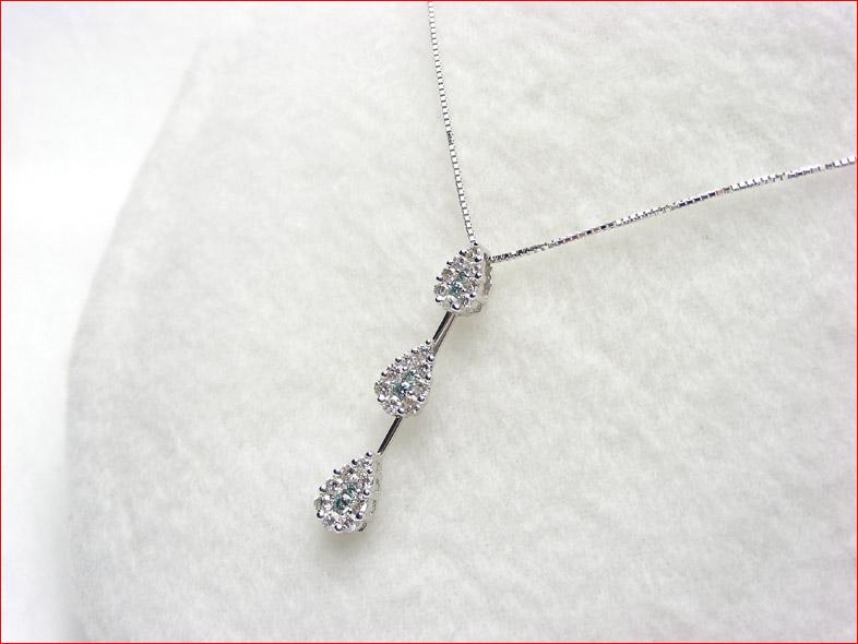 アイスブルーダイヤモンドのティアドロップモチーフ ホワイトゴールド ペンダント 0619PUP10JU