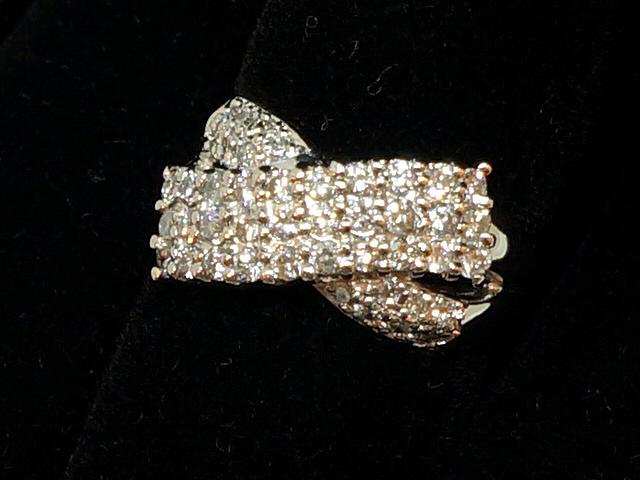 NEW ダイヤモンド リング - RING 品質保証 リボン PT プラチナ ダイヤ 3連ダイヤ 指輪 ご予約品 1.05ct