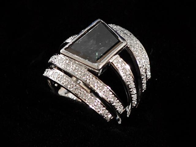 【New Finish】 ダイヤモンドリング - RING - 1Pトラッピーズステップカット グリーンブルーダイヤ+5連ハーフエタニティ ダイヤ K18WG (18金 ホワイトゴールド) / ダイヤモンド (6.99ct)  指輪