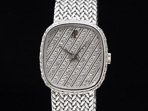 Audemars Piguet - AUDEMARS PIGUET - oval 18KWG / diamond quartz ladies