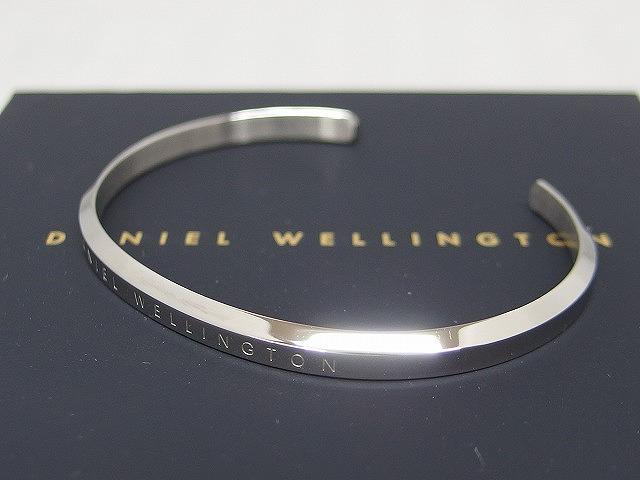 ダニエルウェリントン 予約販売 Daniel Wellington シルバー 中古 バングル 驚きの値段 K11S10