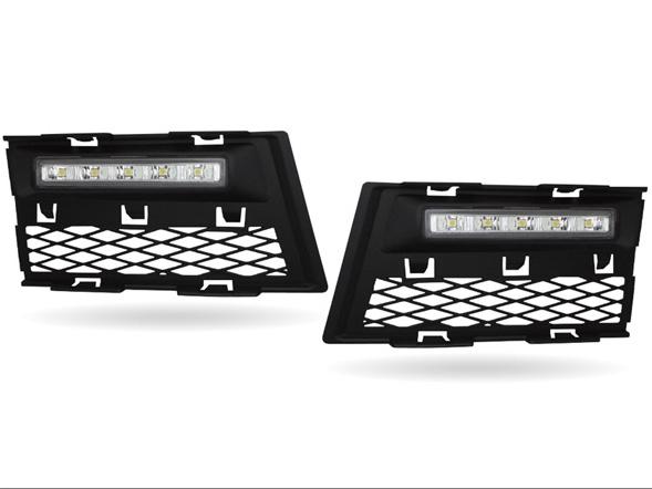 最大 LED 日間運行燈與前面的空氣進氣奧迪 A4 8E/B7 為