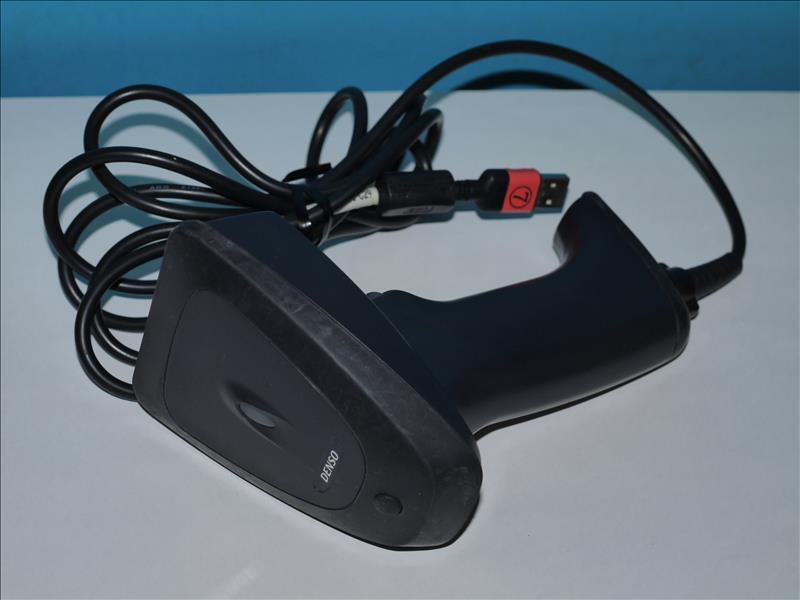 GT10Q-SU DENSO WAVE 新世代二次元コードスキャナ 標準分解能 USBキーボード/USBバーチャルCOM対応 ブラック【中古】【送料無料セール中! (大型商品は対象外)】