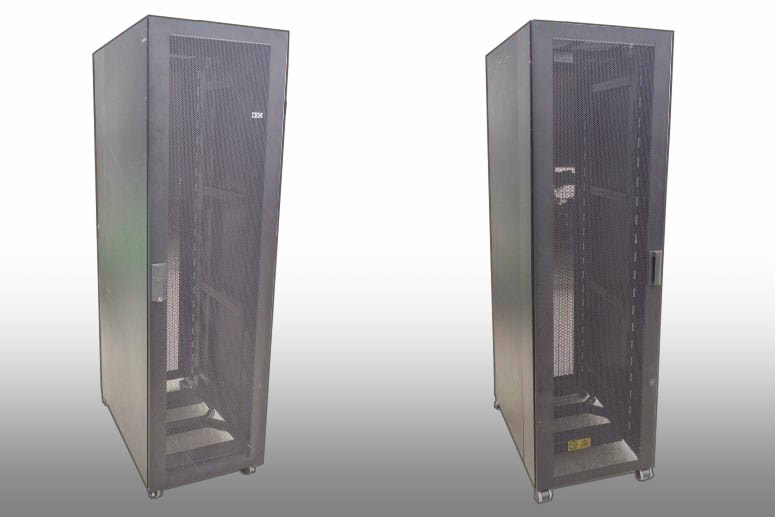9306-420 NetBAY42 SR IBM 42U伺服器框