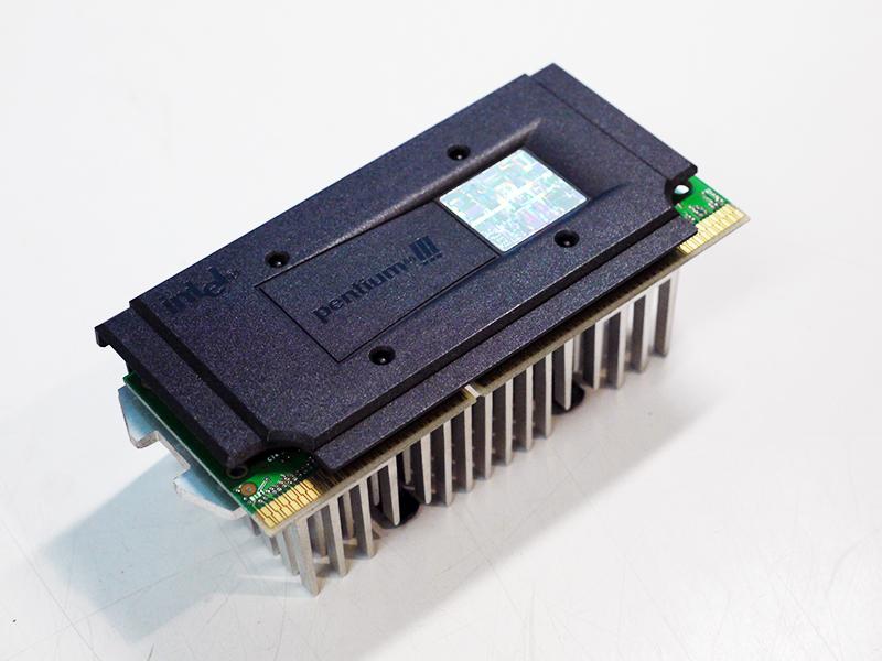 Intel Pentium III Katmai 使い勝手の良い SL35E 500MHz Slot1 中古 FSB100MHz 再再販 CPU 512KB