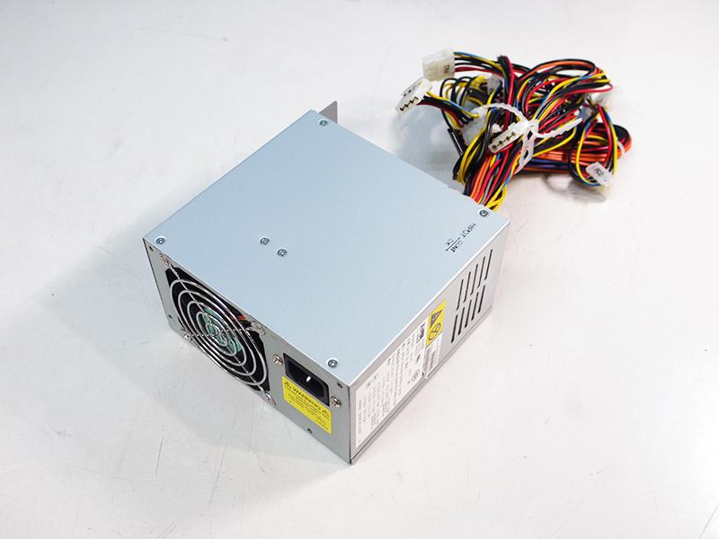 370-6807 Sun Java Workstation W1100z/W2100z用電源ユニット AcBel API4FS06 550W【中古】【送料無料セール中! (大型商品は対象外)】
