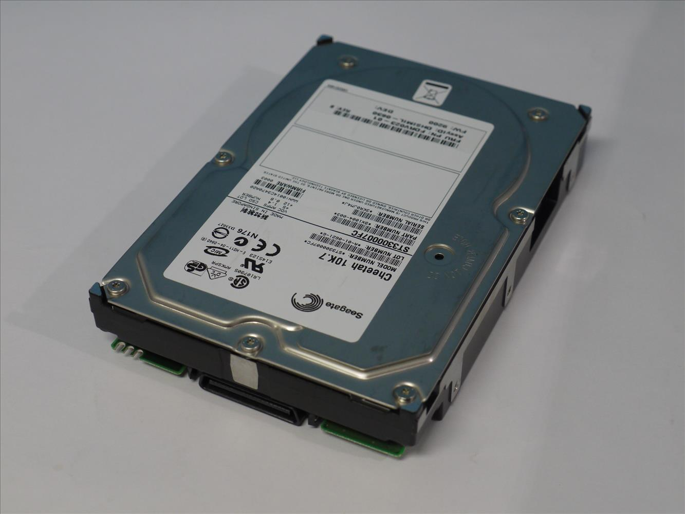 ST3300007FC SEAGATE 300GB 10000rpm 3.5インチ Fibre Channel 2 Gbps 【中古】【送料無料セール中! (大型商品は対象外)】
