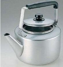 【送料無料】アカオアルミ アルマイト 茶漉し付大型ケットル 8L BKT46008【smtb-u】