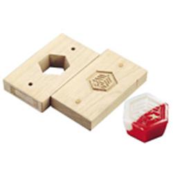 【送料無料】手彫物相型(上生菓子用) 亀甲に寿 WBT18