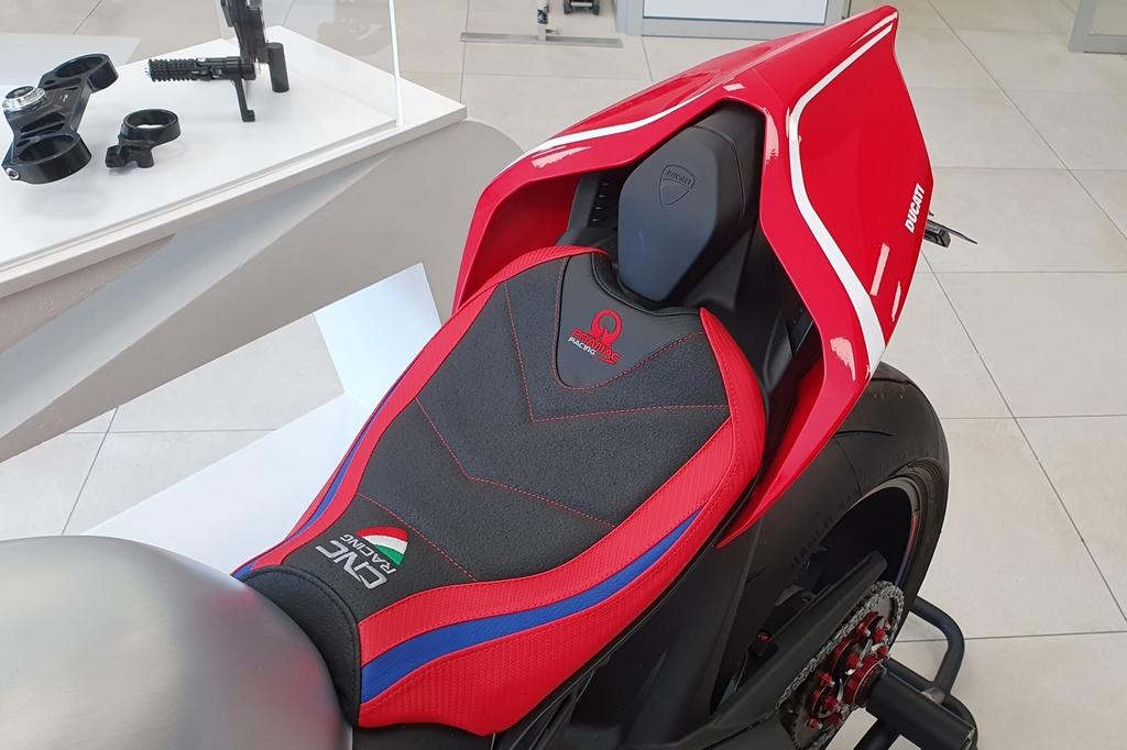 CNC Racing CNCレーシング シートカバー Panigale V4 Panigale V4 R Panigale V4 S