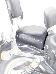 MUSTANG マスタング シート本体 ツーリングワイドロングリアシート (Wide Touring Recessed Rear Seat) タイプ:Studded Sportster 82-03