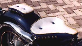 American Dreams アメリカンドリームス ピリオンシート 薄型 ボタンダウン Wスタッド エナメル白・紺・金 シャドウスラッシャー400 シャドウスラッシャー750