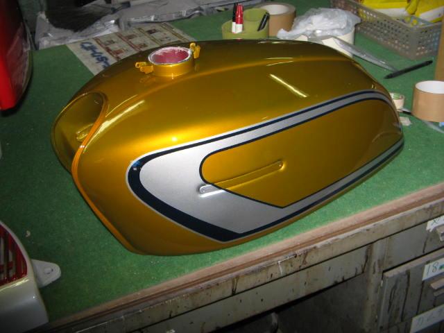 バイクペイント.com Bike Paint.com スプレータイプ塗料 GT380 B3 シャンパンゴールド GT380 B3