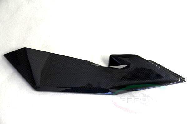 CARBONVANI カーボンバーニ サイドカバー タンクサイドパネル R クリア塗装:ツヤ無 F4 11-