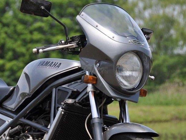 CHIC DESIGN シックデザイン ビキニカウル・バイザー ロードコメット2 カラー:スモーク カラー:ブラック2 (カラーコード:004B)(単色塗装済み) R1-Z