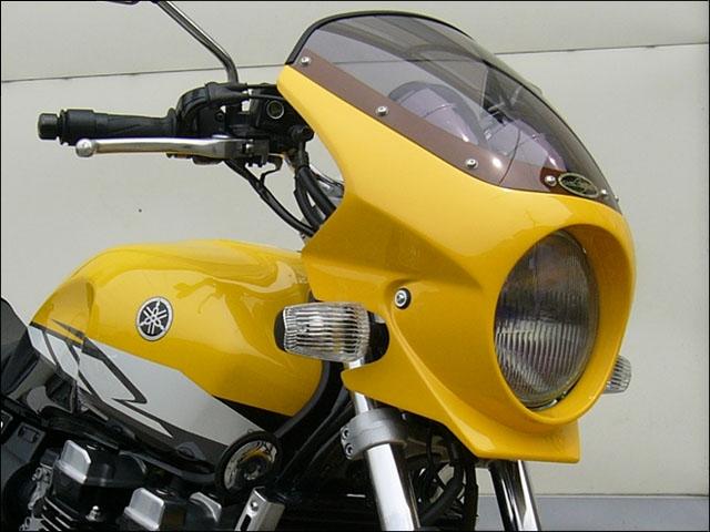 CHIC DESIGN シックデザイン ビキニカウル・バイザー ロードコメット2 カラー:クリア カラー:シルバーメタリック1 XJR400R