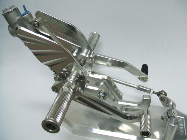 antlion アントライオン バックステップ カラー:シルバー[SL] SR400 SR500