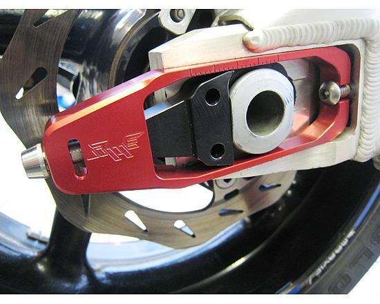送料無料 足回り Robby Moto オンライン限定商品 期間限定特価品 Engineering ロビーモトエンジニアリング チェーンアジャスター FIRE CBR1000RR RME-035-H001A BLADE ファイアブレード