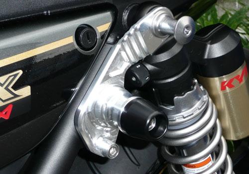AGRAS アグラス ガード・スライダー サスペンションスライダー カラー:ホワイト ZRX1200ダエグ