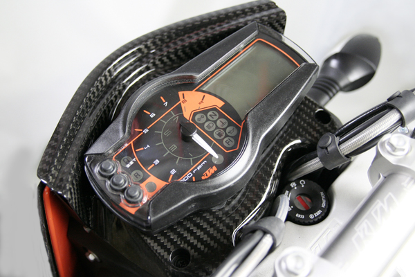 CARBON DRY カーボンドライ その他メーター関連 メーターベースカバー for KTM 690SM カラー:クリアー(艶あり) 690SM