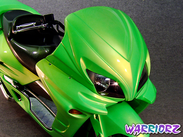 WARRIORZ ウォーリアーズ スクーター外装 フォルツァ MF06用 サイドカウル V2(バージョンツー) カラー:ピュアブラック FORZA[フォルツァ](MF06)