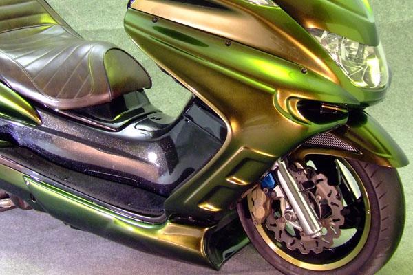 WARRIORZ ウォーリアーズ スクーター外装 マジェスティ用 サイドカウル V4(バージョンフォー) カラー:ブラックメタリックX