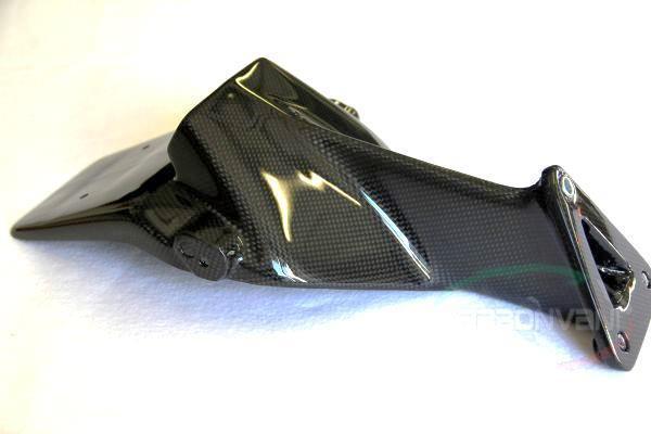 【送料無料】外装 F4 -10 CARBONVANI カーボンバーニ M-16  CARBONVANI カーボンバーニ ナンバープレート関連 ライセンスプレートホルダー クリア塗装:ツヤ有 F4 -10