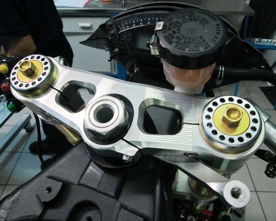 Robby Moto Engineering ロビーモトエンジニアリング トリプルクランプ ZX-10R