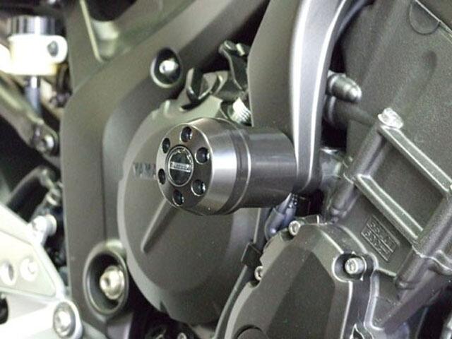 【ポイント5倍開催中!!】【クーポンが使える!】 P&A International パイツマイヤーカンパニー ガード・スライダー 衝撃吸収ダンパー内蔵クラッシュパッド X-Pad ロング (70mm) カラー:アルミニウムシルバー FZ6 FZ6 FAZER [フェザー]