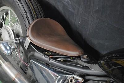 部品屋K&W シート本体 専用ソロシートキット リジットタイプ (本革サドルシート) カラー:黒 ビラーゴ250(XV250)