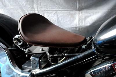 部品屋K&W シート本体 専用ソロシートキット スプリングタイプ (本革サドルシート) カラー:茶 バルカン400 バルカン800