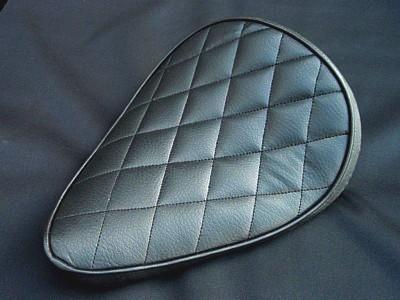 部品屋K&W シート本体 専用ソロシートキット スプリングタイプ (ステッチ) カラー:薄茶 SR400 SR500