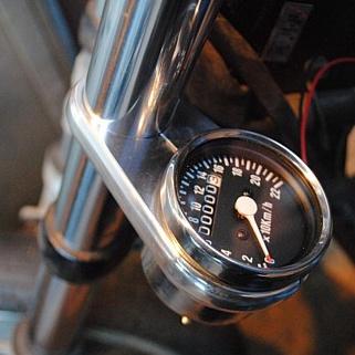 部品屋K&W その他メーター関連 メータークランプキット サイズ:φ35 マグナ(Vツインマグナ)