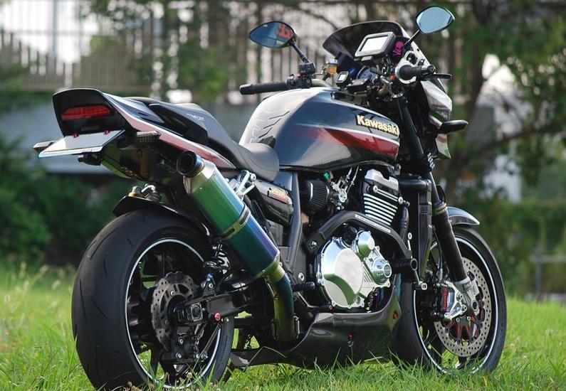 【在庫あり】Bagus! バグース 一体式フェンダーレスキットブラック ZRX1200ダエグ
