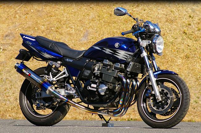 MotoGear モトギア 手曲げフルエキゾーストマフラーSTDタイプ サイレンサータイプ:チタンスラッシュエンドタイプC(イン側、エンド側、カール部) XJR400R