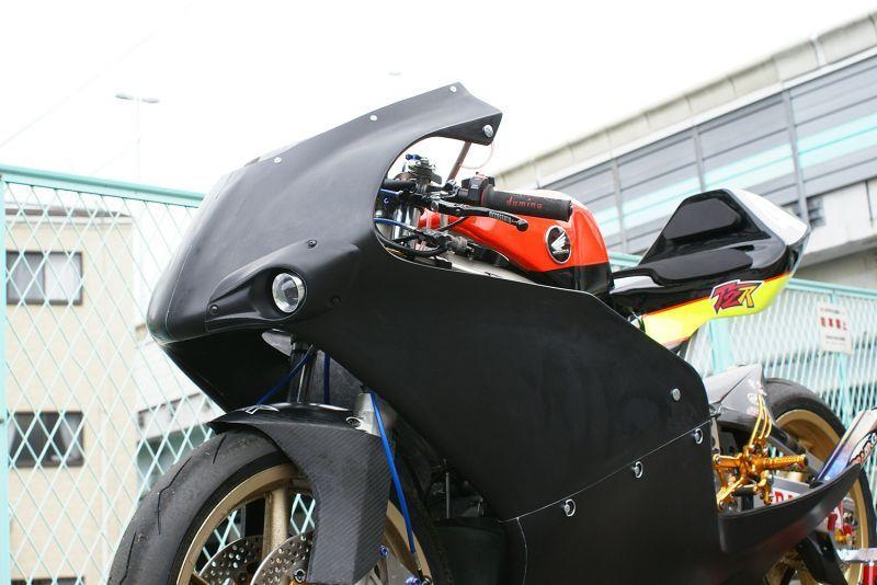 T2 Racing T2レーシング フルカウル・セット外装 オリジナル フルカウル TYPE-1 ストリート 【復刻 ver.】 フルカウル素材:カーボン ライト取り付けユニット素材:カーボン NSR250R MC18/MC21/MC28