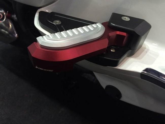 【イベント開催中!】 BIKERS バイカーズ タンデムステップ リアフットレスト カラー:Orange GTS 150 3Vie