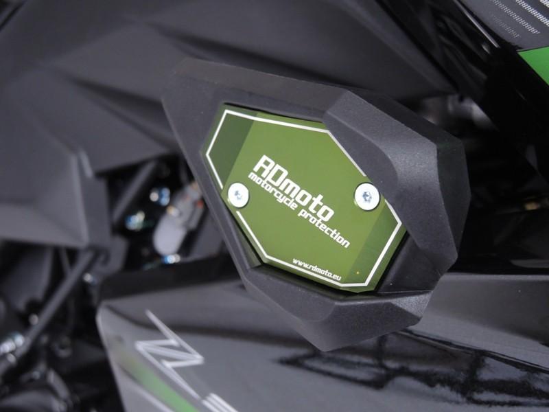 RDmoto アールディーモト ガード・スライダー クラッシュスライダー【Crash sliders】 Colour:black polyamid Colour:green aluminium anodized Z 300