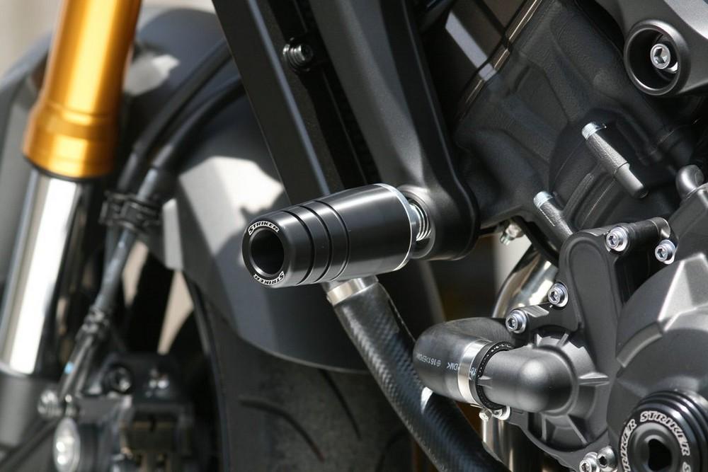 【イベント開催中!】 STRIKER ストライカー ガード・スライダー ガードスライダー スライダーベースカラー:シルバー MT-09 MT-09 トレーサー