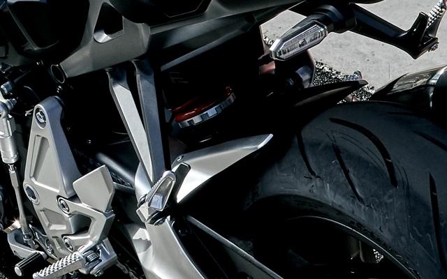 【在庫あり】【イベント開催中!】 HONDA ホンダ その他外装関連パーツ アルミハガーパネル CB1000R