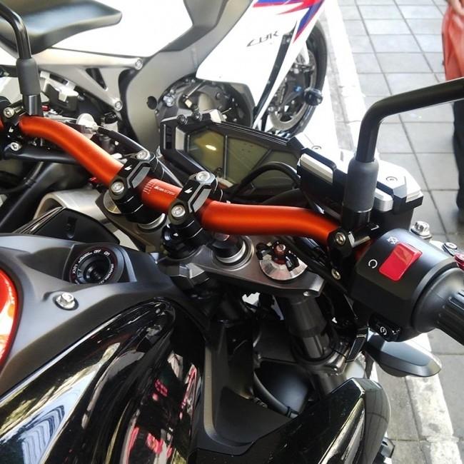 【イベント開催中!】 BIKERS バイカーズ ハンドルバー ファットバー 28.6mm カラー:オレンジ Z800
